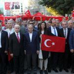 - ayni bayrak altinda samsun darbeye karsi yuruyus 2 150x150 - Bin 919 Metrelik Türk Bayraklı Demokrasi Yürüyüşü
