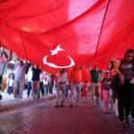 - ayni bayrak altinda samsun darbeye karsi yuruyus 3 150x150 - Bin 919 Metrelik Türk Bayraklı Demokrasi Yürüyüşü