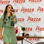 - derya ulug piazza samsun avm mini konser ve imza gunu 9 150x150 - Piazza AVYM'de Derya Uluğ Rüzgarı Esti