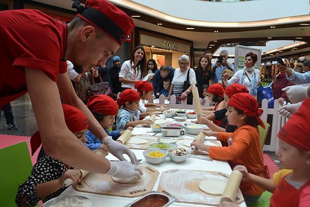 Piazza AVM'de Crakers Kids Club ile İtalyan Lezzeti