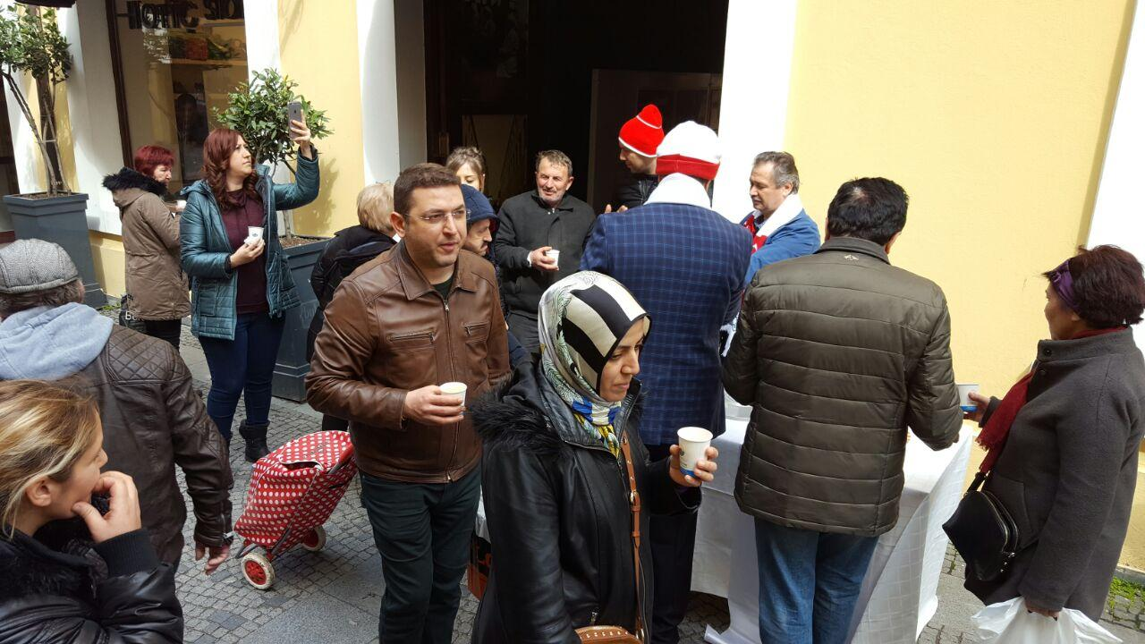 - corba1 - İlkadım Belediyesi Asker Çorbası ikram etti