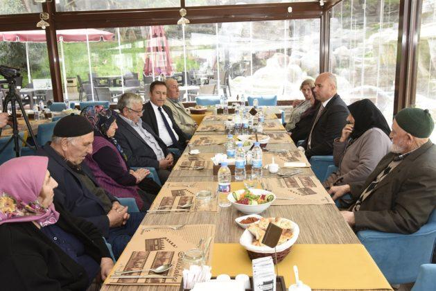 - tekkekoy belediyesi sehitler haftasi etkinligi 8 629x420 - Başkan Togar ile Kaymakam Öztürk şehit aileleri ile bir araya geldi