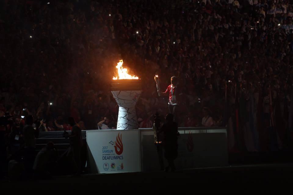 - Deaflympics 2017 Samsun acilis toreni 18 temmuz mesale - Deaflympics Samsun 2017 muhteşem açılış töreniyle başladı