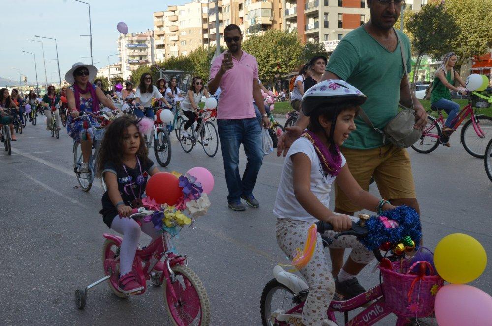 - bursa etkinlik 2 - 'Süslü Kadınlar Bisiklet Turu'na yoğun ilgi
