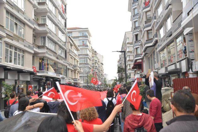 - samsun 29 ekim cumhuriyet yuruyusu 11 630x420 - Samsunlular, Cumhuriyet Yürüyüşüne yoğun ilgi gösterdi
