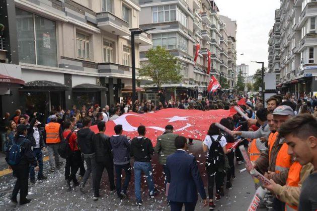 - samsun 29 ekim cumhuriyet yuruyusu 12 630x420 - Samsunlular, Cumhuriyet Yürüyüşüne yoğun ilgi gösterdi