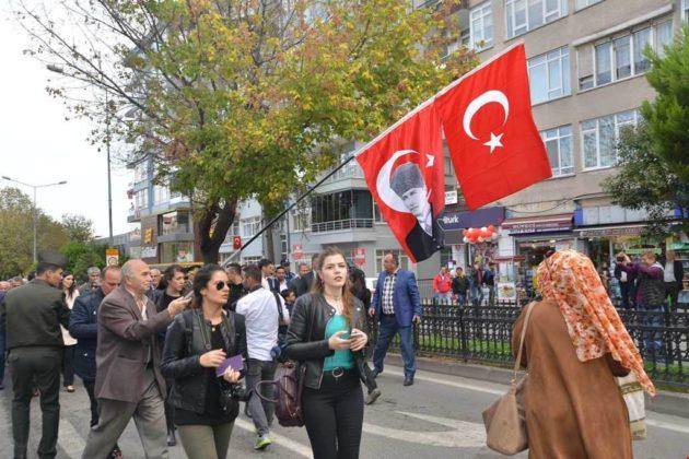 - samsun 29 ekim cumhuriyet yuruyusu 4 630x420 - Samsunlular, Cumhuriyet Yürüyüşüne yoğun ilgi gösterdi