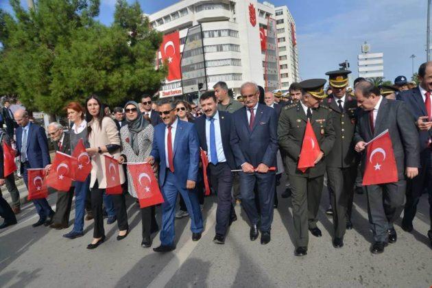 - samsun 29 ekim cumhuriyet yuruyusu 630x420 - Samsunlular, Cumhuriyet Yürüyüşüne yoğun ilgi gösterdi