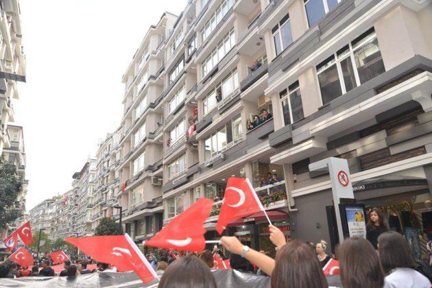 - samsun 29 ekim cumhuriyet yuruyusu 7 630x420 - Samsunlular, Cumhuriyet Yürüyüşüne yoğun ilgi gösterdi