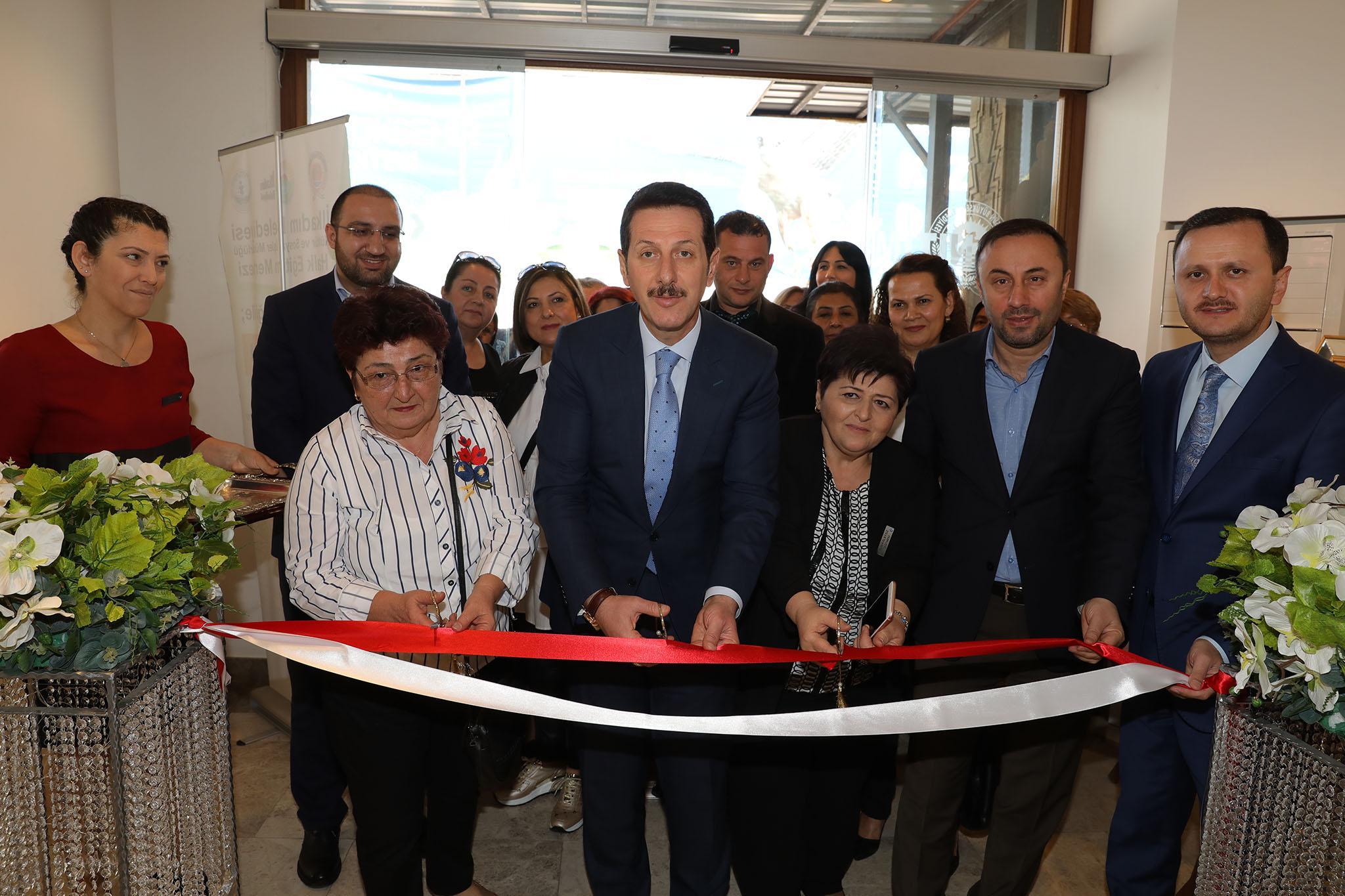 - 3R2A1625 - 'Nakış Sultanları Mehmetçikle el ele' sergisi açıldı