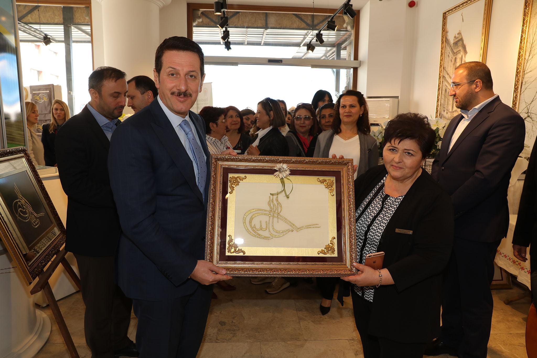 - 3R2A1646 - 'Nakış Sultanları Mehmetçikle el ele' sergisi açıldı