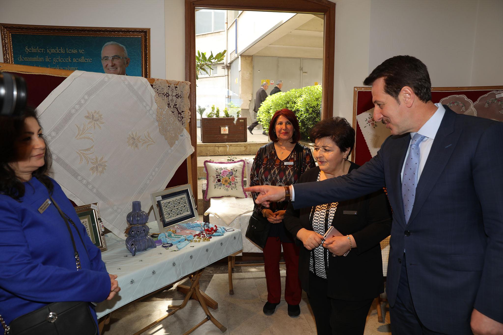 - 3R2A1695 - 'Nakış Sultanları Mehmetçikle el ele' sergisi açıldı