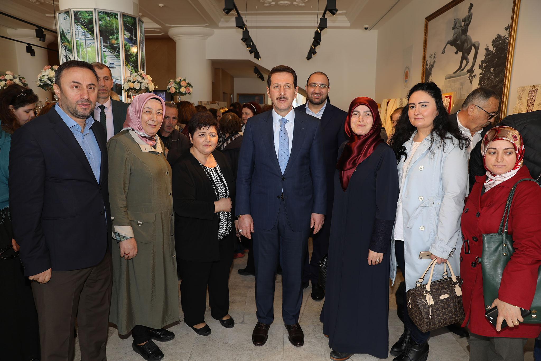 - 3R2A1801 - 'Nakış Sultanları Mehmetçikle el ele' sergisi açıldı