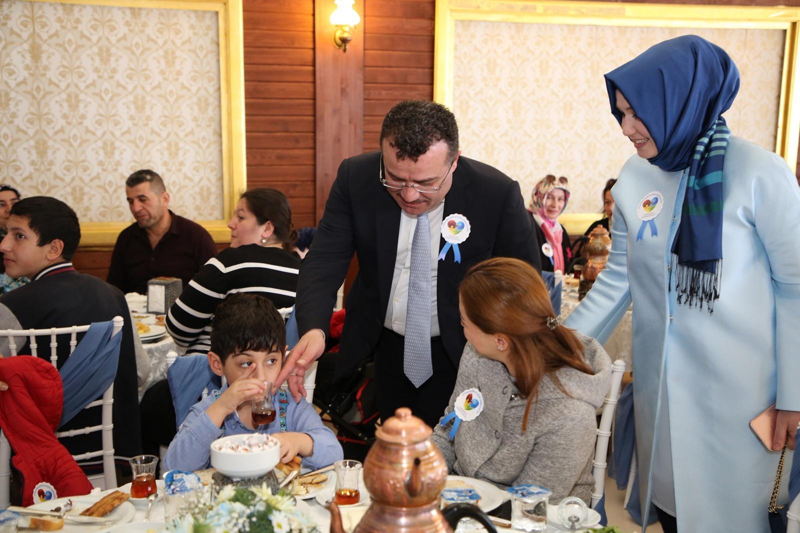 - atakum otizm farkindaligi etkinlik 4 - Atakum'da 'Otizm' farkındalık etkinliği gerçekleşti