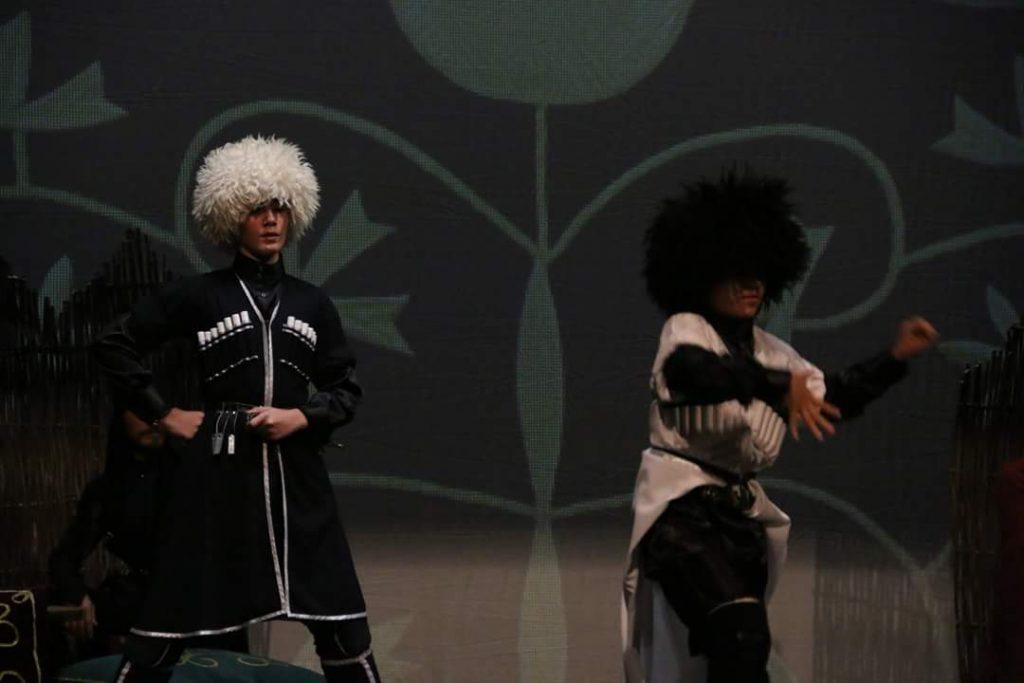 """- cerkes 4 - """"Elbrus'un Sesi"""" Kafkas Halk Dansları Topluluğu Samsun'da"""