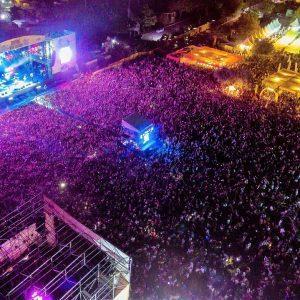 - Zeytinli Rock Festivali 1 300x300 - Zeytinli Rock Festivali kapılarını açıyor! 5 günden 90 sanatçı sahne alacak