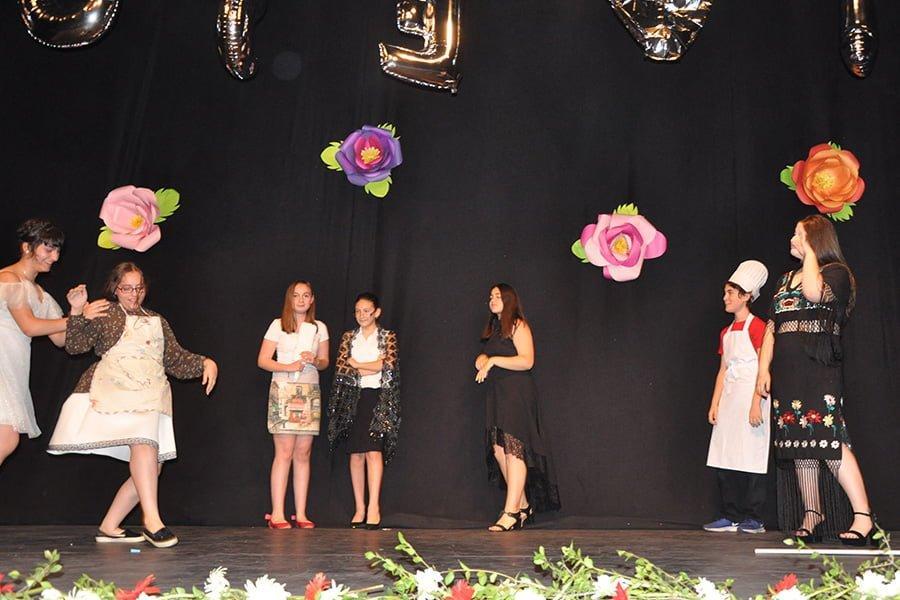 - dusevi tiyatro okulu sahne - Düşevi Tiyatro Okulu açılıyor