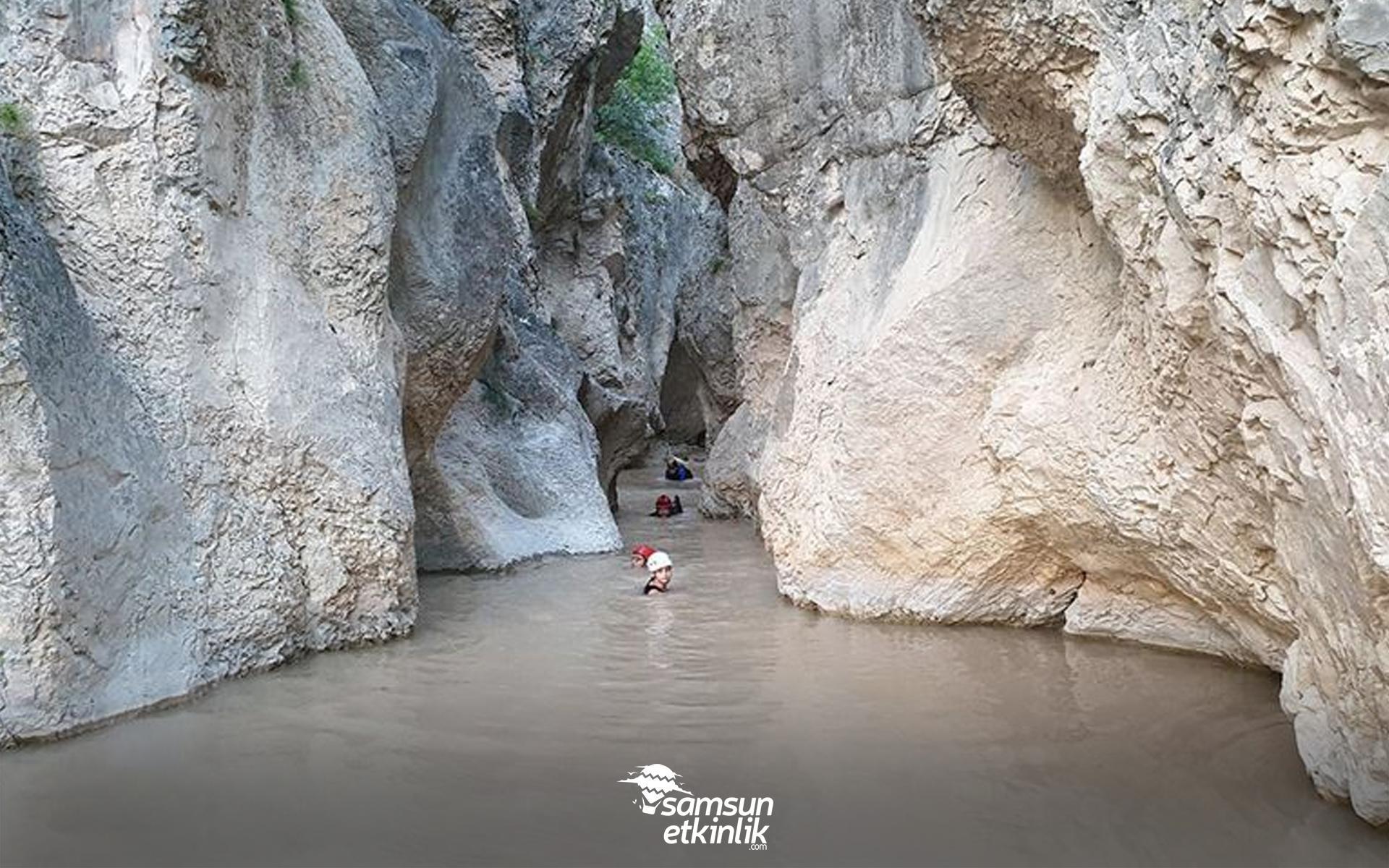 Harman Kaya/Üç Kayalar ve İn kayası Mağaraları